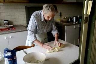 Nonna Marcella compie 104 anni e prepara gli gnocchi per tutta la famiglia
