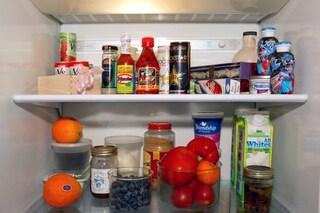 Come pulire il frigorifero e il freezer: i rimedi e i consigli per igienizzarli al meglio