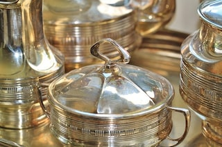 Come pulire l'argento: i rimedi naturali per lucidarlo senza fatica