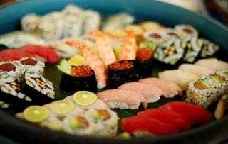 Il sushi è davvero salutare come sembra? Ecco quali sono i piatti da evitare