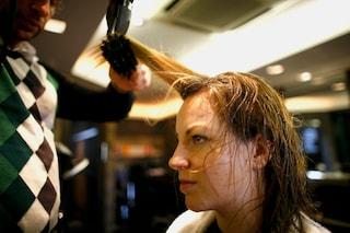 Le 8 cose che succedono se non si lavano i capelli spesso
