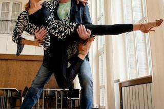"""""""Posso tornare a danzare"""": Amy, la 16enne con la spina dorsale curva realizza il suo sogno"""