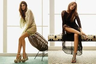 Bianca Brandolini d'Adda si trasforma in modella e mostra le gambe