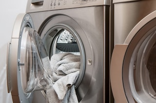 Come pulire la lavatrice: consigli per igienizzarla in modo perfetto