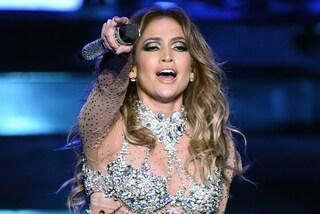Jennifer Lopez seduce Las Vegas indossando l'abito realizzato con 260mila Swarovski (FOTO)