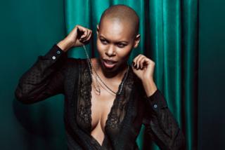 Skin in un'inedita versione sexy diventa la nuova testimonial di Sisley (FOTO)