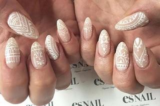 Le unghie della settimana: henna manicure, la nail art ispirata ai tatuaggi all'henné (FOTO)