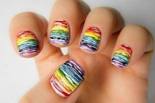 Le unghie della settimana: rainbow manicure (FOTO)