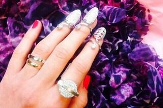 Nail rings: gli anelli per le unghie sono il must have per la primavera (FOTO)