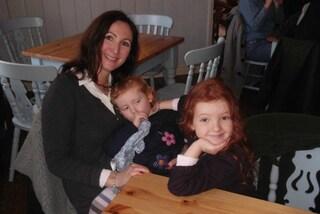 """""""Come dico alle mie figlie che ho il cancro?"""": ecco l'idea speciale della mamma"""