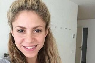 Shakira compie 39 anni: festeggia il compleanno con un selfie senza trucco