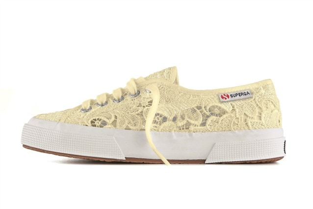 a9833d7649 Sneakers in pizzo: ecco la nuova collezione di Superga (FOTO)