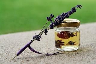 Oli essenziali: come usarli per il nostro benessere