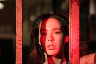 Fascino travolgente e sguardo profondo: l'evoluzione sexy di Aurora Ramazzotti