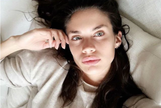 L'angelo di Victoria senza trucco: Sara Sampaio incanta con la sua bellezza naturale