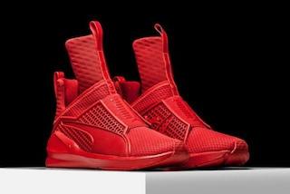 """Rihanna lancia """"Trainer"""", le scarpe realizzate per Puma"""