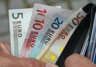Il denaro può comprare la felicità? Solo se si acquistano cose che piacciono