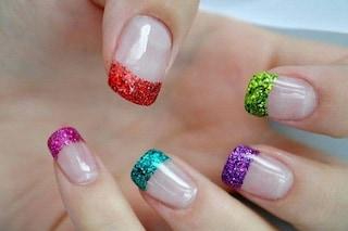 Le unghie della settimana: la french manicure colorata (FOTO)