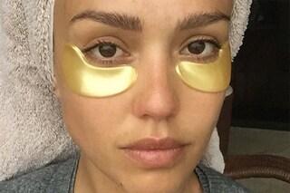 Maschere d'oro per occhiaie e labbra: l'ultimo trend beauty delle star (FOTO)
