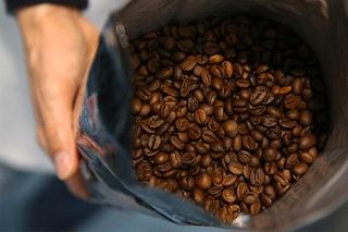 Trattamenti di bellezza a base di caffè, dall'anticellulite ai rimedi per le occhiaie