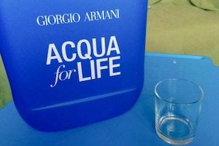 E' possibile vivere 24 ore solo con 10 litri d'acqua? La sfida lanciata da Giorgio Armani