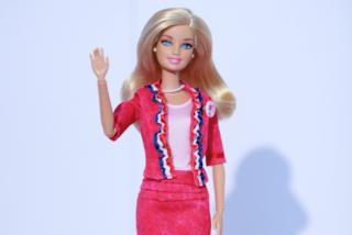Ash, la sosia di Barbie che pesa 181 chili: gli uomini la trovano irresistibile