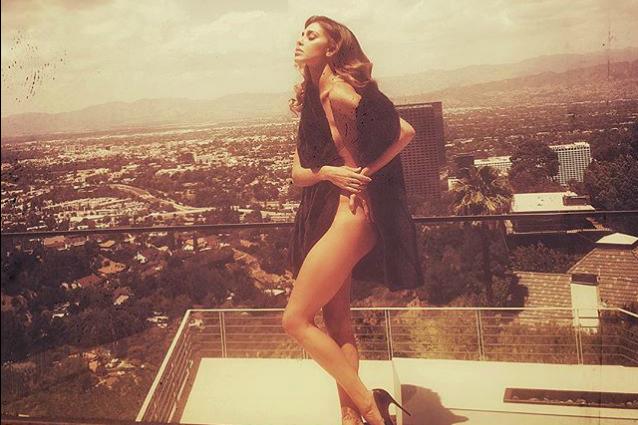 organo italiano diminuire  Belén sexy per Guess, la Rodriguez posa seminuda a Los Angeles