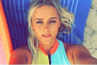 Ellie, la surfista australiana che infiamma Instagram