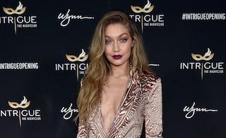 """Gigi Hadid festeggia il 21esimo compleanno con un sexy look """"selvaggio"""""""