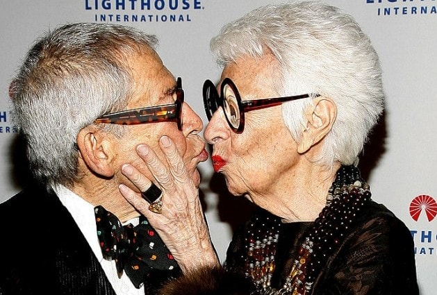 Iris con il marito Carl al Lighthouse International Light Years Gala del 2008 (Photo by Joe Kohen/Getty Images)