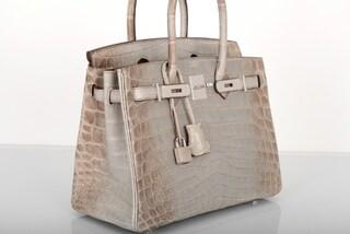 Una Birkin di coccodirllo e diamanti: la borsa da record venduta per oltre 300mila dollari