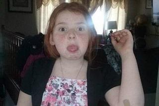 Le rimangono incastrati i capelli nella giostra, la bimba di 11 anni rischia la vita
