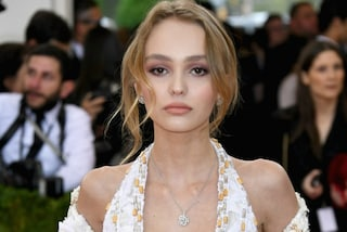 Lily-Rose Depp è cresciuta e calca il red carpet del Met Gala come una vera star