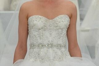 """""""Sei un pallone"""": perde 63 kg e indossa l'abito da sposa dei suoi sogni"""