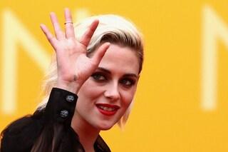 Perché ci dovrebbe interessare se Kristen Stewart va a letto con una donna?