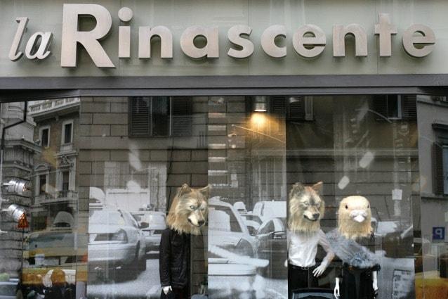 La vetrina di un negozio La Rinascente