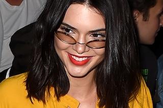 Il nuovo taglio di capelli di Kendall Jenner: long bob in versione wavy