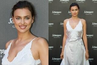 Irina Shayk meravigliosa in sottoveste: l'abito sexy esalta la sua bellezza