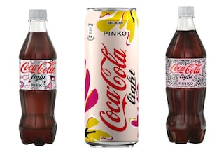"Pinko ""veste"" Coca-Cola: ecco le bottiglie in limited edition per l'estate"