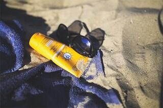 Le nuove manie beauty estive: sì a smalto e a creme solari, addio ombretto e rossetti