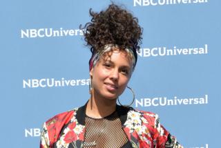 """Alicia Keys dice addio al trucco: """"Mi sento una donna libera"""""""