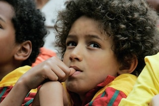 Cucciare il dito non fa male al bambino: secondo uno studio riduce le allergie