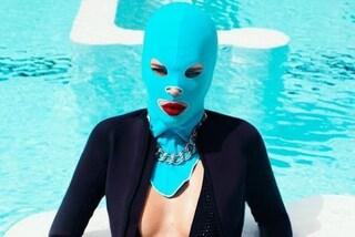 Facekini, la maschera da spiaggia per proteggere il volto dal sole