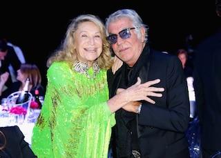 """""""Verrai ricordata per il tuo sorriso"""": l'addio del mondo della moda a Marta Marzotto"""