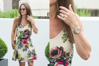 All'anello di fidanzamento abbina un orologio di diamanti, lo sfarzo di Pippa Middleton