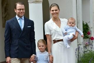 Victoria di Svezia compie 39 anni, mostra in pubblico il figlio per la prima volta
