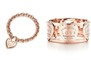 """L'iconico cuore Tiffany celebra l'amore: la nuova linea di gioielli con la scritta """"Love"""""""