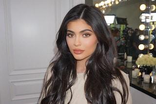 Kylie Jenner come Catwoman, indossa una sexy tuta trasparente