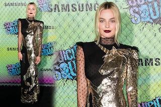 Un unicorno d'oro sfila sul red carpet: Margot Robbie con un abito da 10mila euro