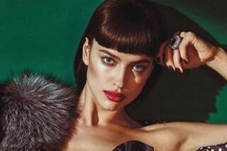Frangetta geometrica e sbarazzina: nuovo taglio di capelli per Irina Shayk?